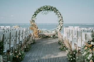 wedding florist Auckland's grand flower arch